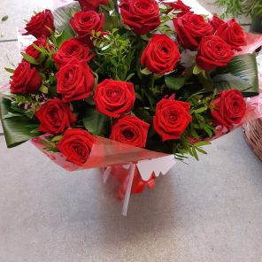 24 NAOMI Red Roses and Foliage Hand tie